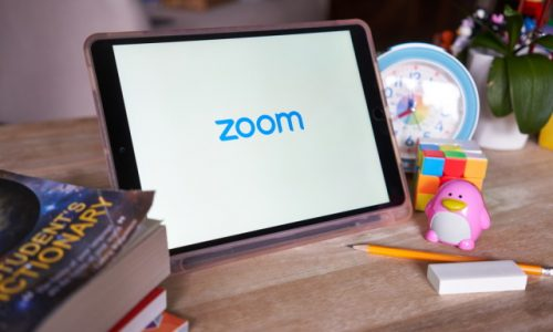 zoom-on-tablet